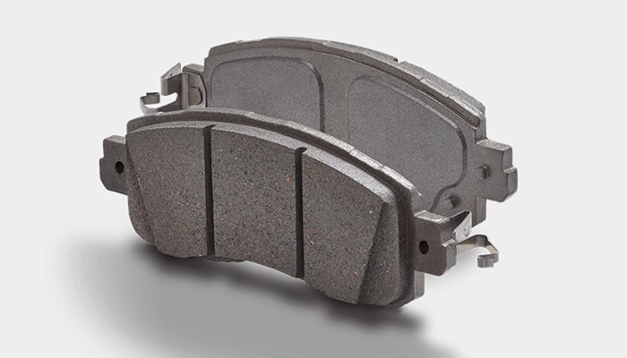 Using Chemicals During Disc Pad Installation   Wagner Brake